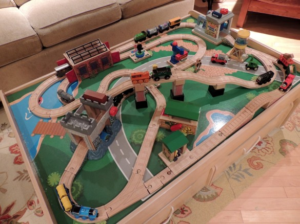 Thomas the train play table plans plans diy how to make for Diy play table plans